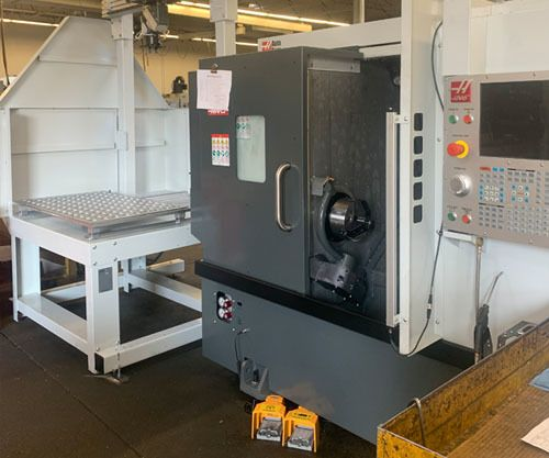 HAAS WITH AUTOMATIC LOADER 1